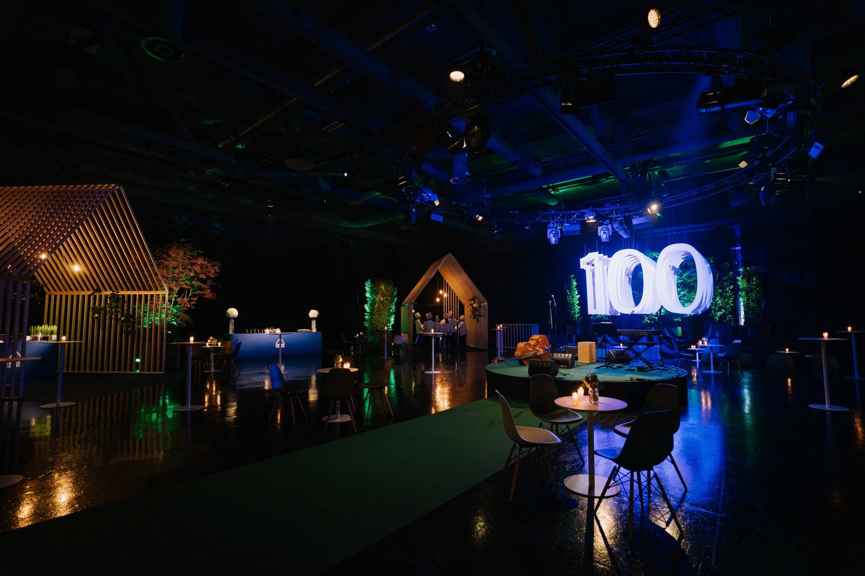 Shine a light event agency Luxembourg - Creates immersives experiences - Corporate anniversary SNHBM