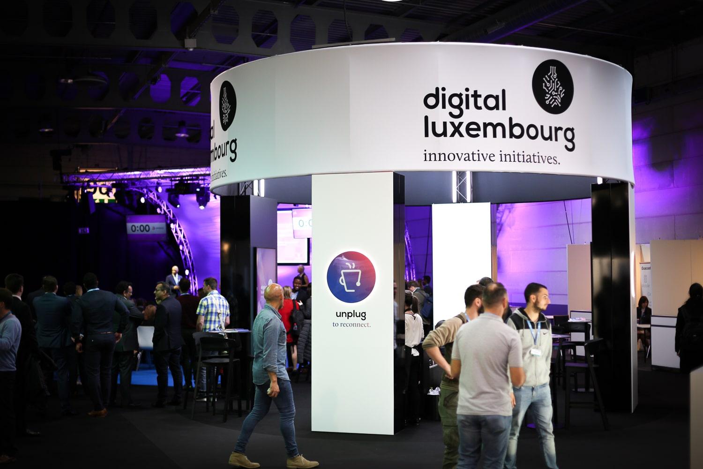 Shine a light agence évènementielle luxembourg - créateur d'expériences immersives - Stand Digital Luxembourg