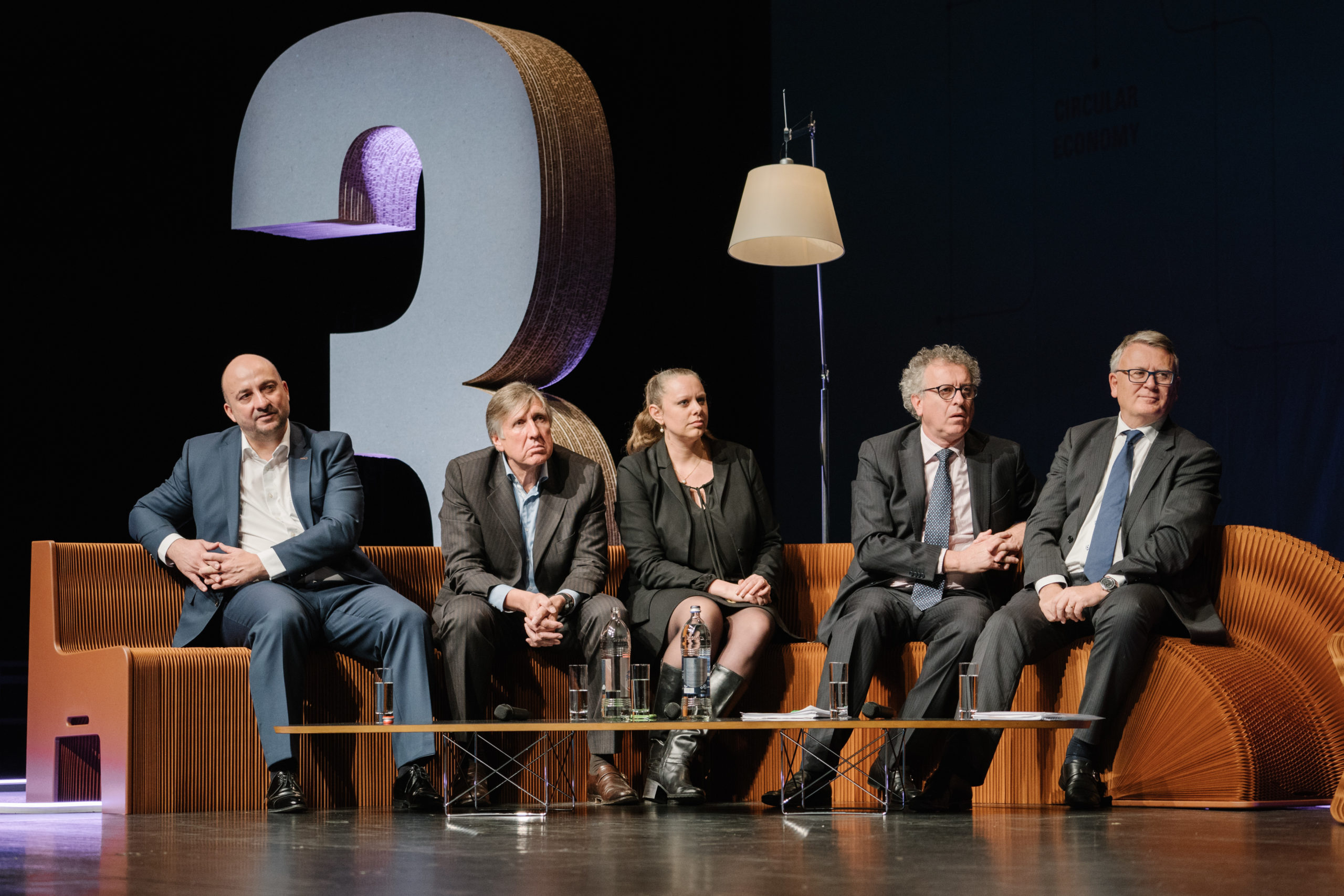 Shine a light agence évènementielle luxembourg - créateur d'expériences immersives - Conférence Tir+3