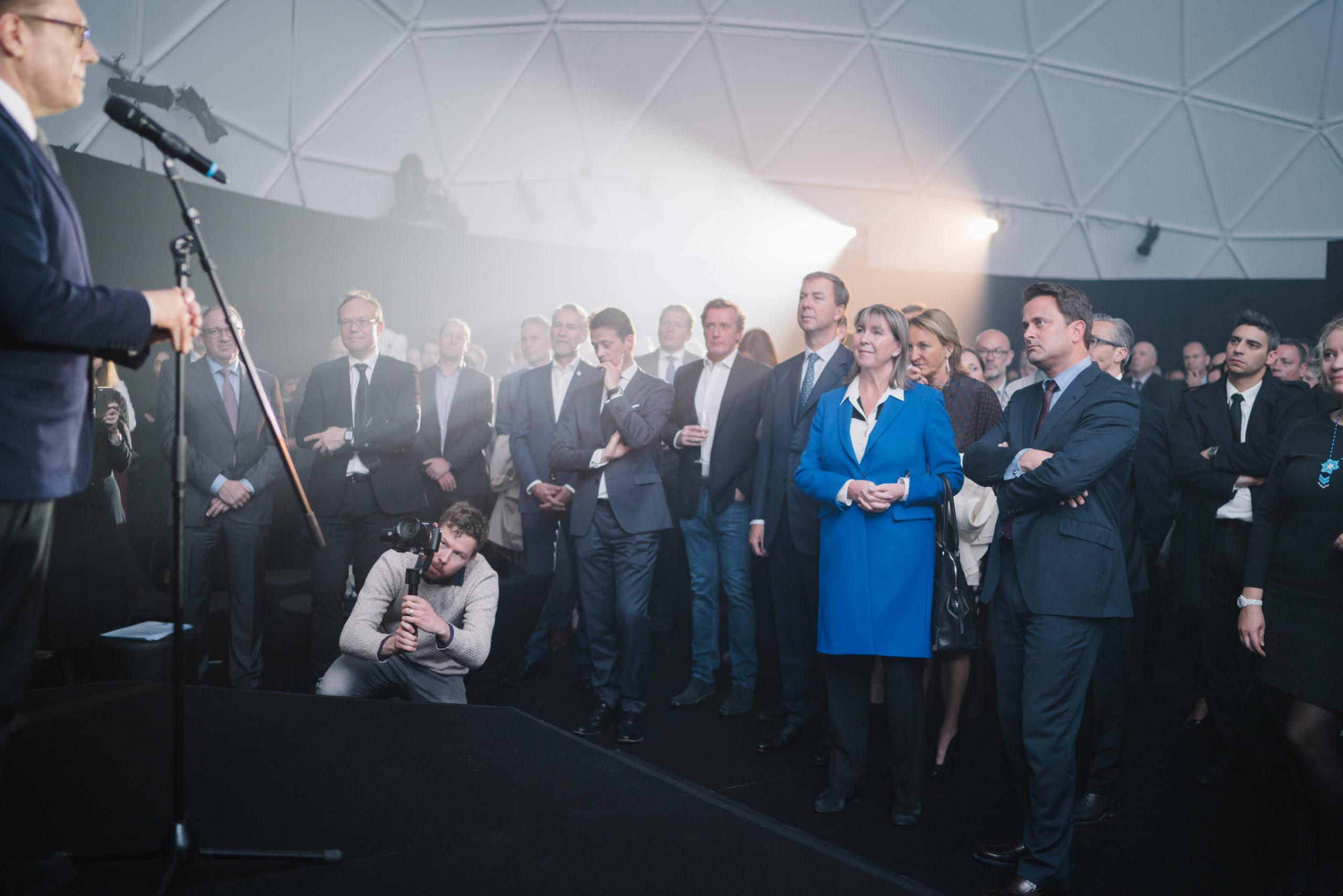 Shine a light agence évènementielle luxembourg - créateur d'expériences immersives - Pose de la première pierre infinity immobel
