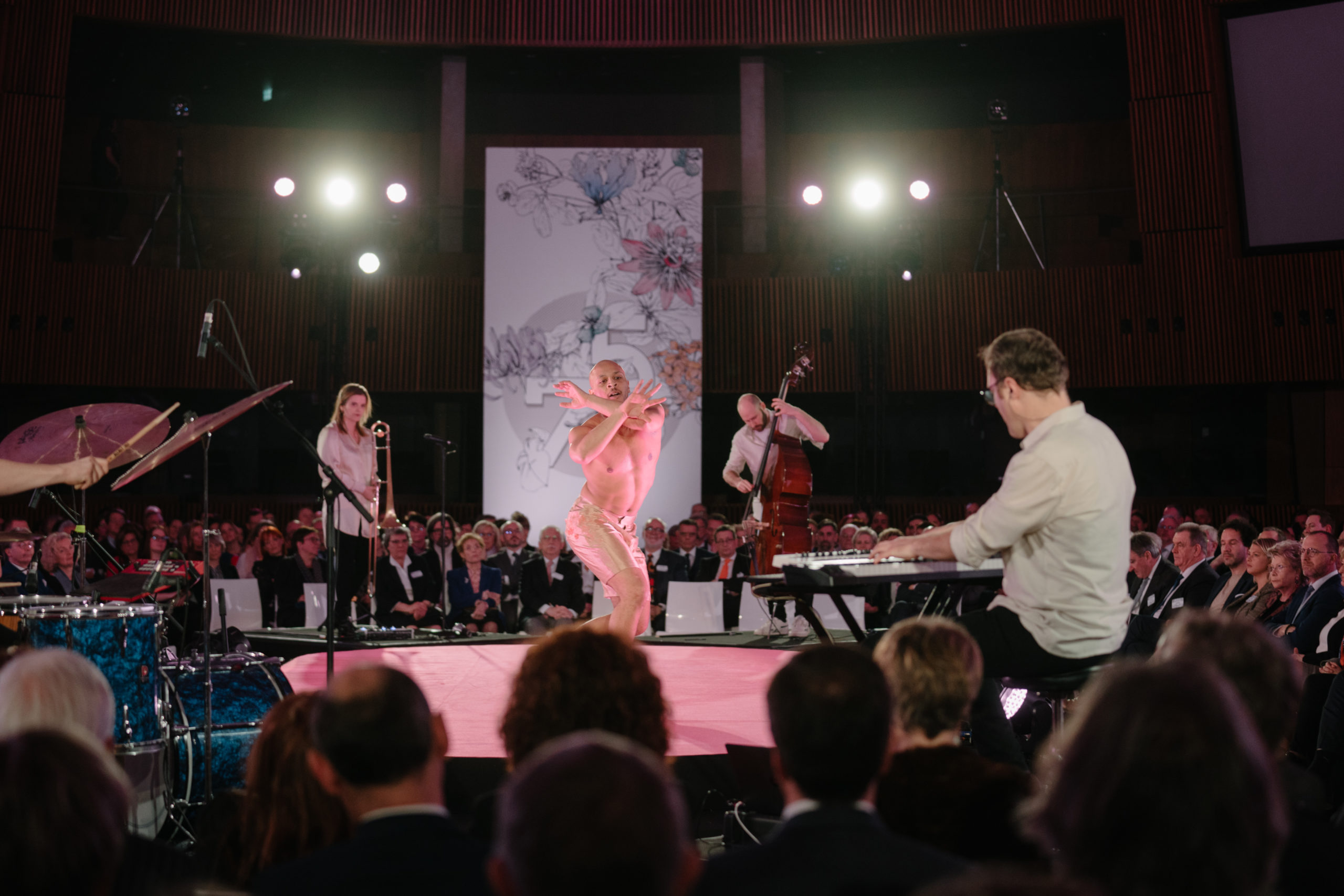 Shine a light agence évènementielle luxembourg - créateur d'expériences immersives - 75ème anniversaire Oeuvre Nationale de Secours Grande Duchesse Charlotte