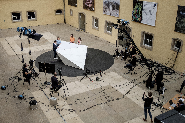 Shine a light agence évènementielle luxembourg webinaire digital Luci TV